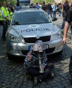 Czech smokers, police